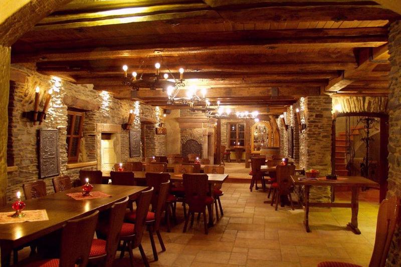 alte_burg_longuich_restaurant